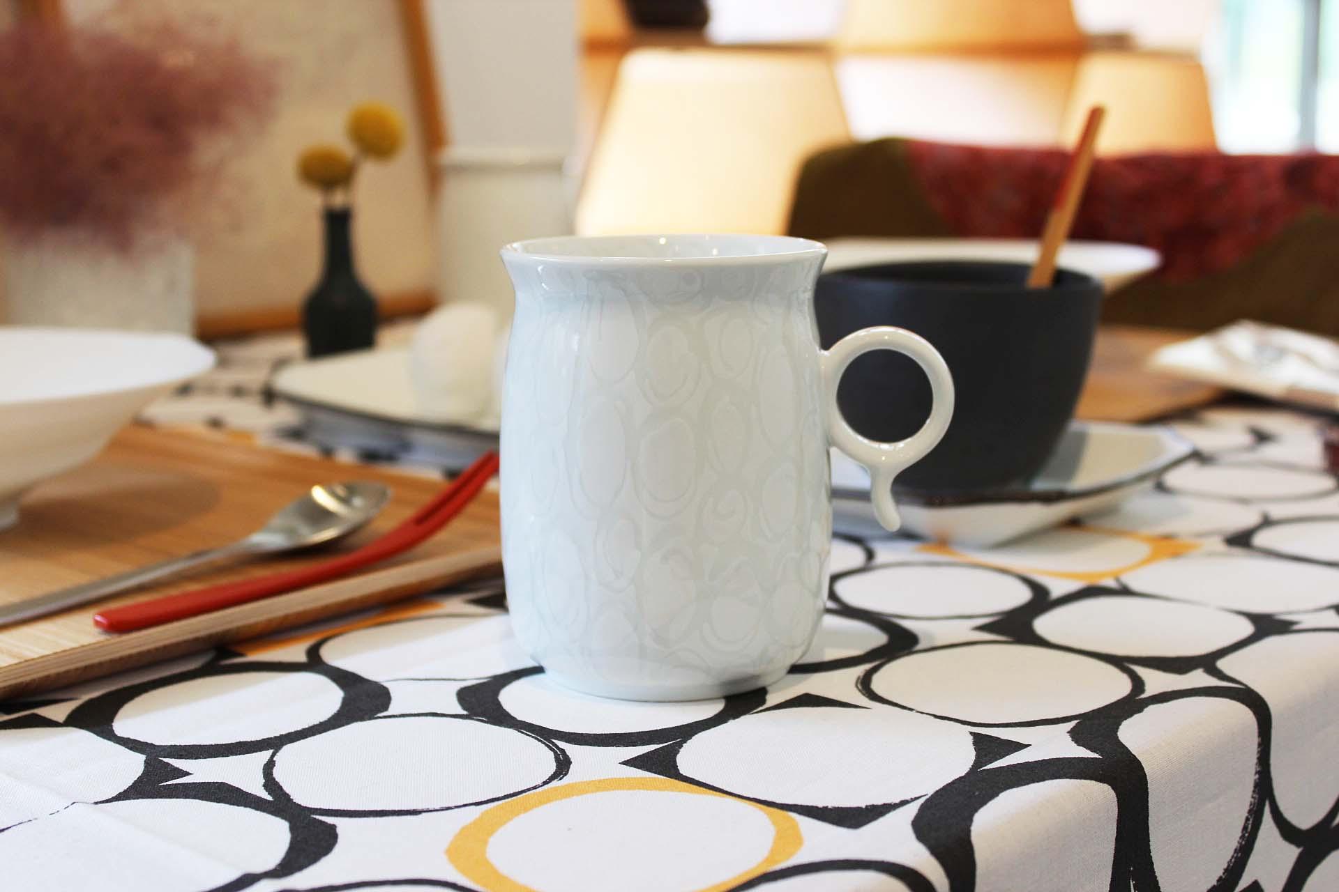 画像1: 白山陶器  Q型マグ (1)
